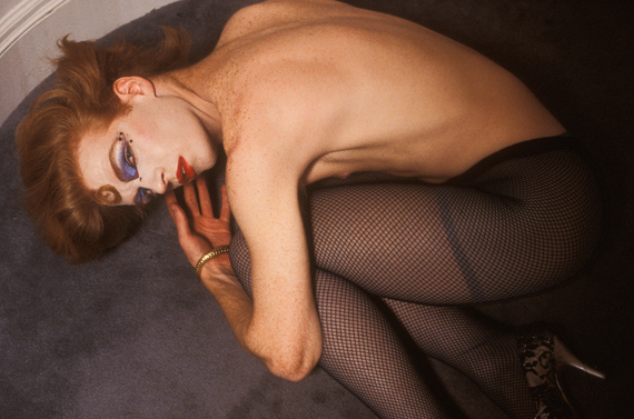 Toby, at rest after a long shoot. She was the opening act for the drag performer Ethyl Eichelberger, 1990 © Mariette Pathy Allen