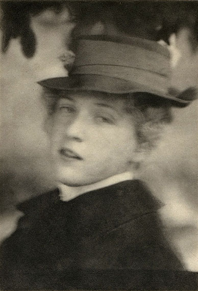 Alfred Stieglitz: Miss S.R., 1904ARTE France / © Alfred Stieglitz/Archive Photos/Getty Images + Alfred Stieglitz/Georgia O'Keeffe Museum/ADAGP, Paris, 2012