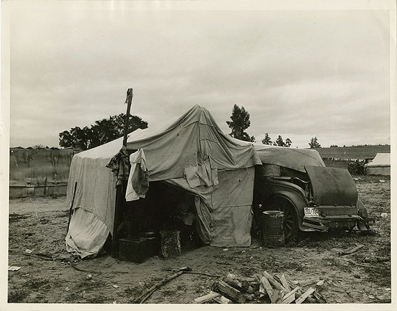 Dorothea Lange (1895-1965)Home of Oklahoma drought refugees Février, 1936