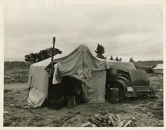 Dorothea Lange (1895-1965)Home of Oklahoma drought refugees Février, 1936