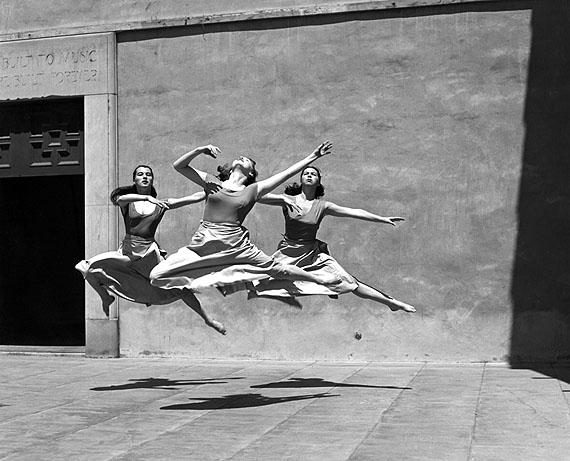 Three Dancers, Mills College / Drei Tänzerinnen, Mills College, 1929, © Imogen Cunningham Trust