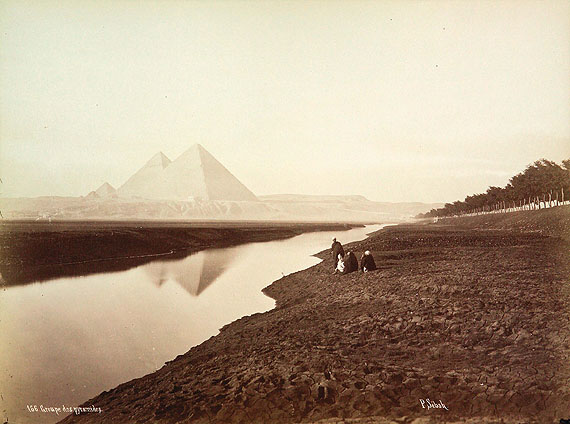 Gizeh, an der Pyramidenstraße, Pascal Sébah, um 1875Bildnachweis: Reiss-Engelhorn-Museen/Forum Internationale Photographie