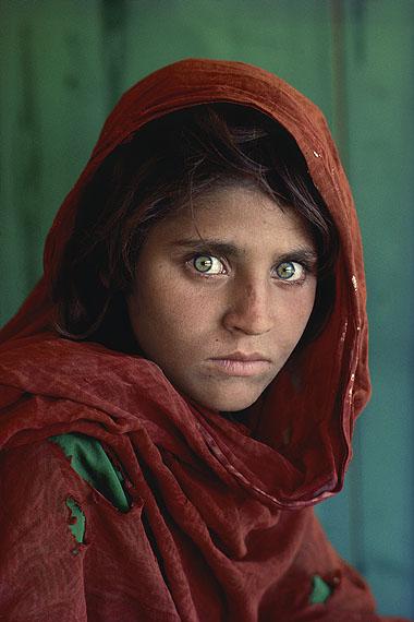 Afghanisches Mädchen. Peshawar, Pakistan. 1984.© Steve McCurry / Magnum Photos