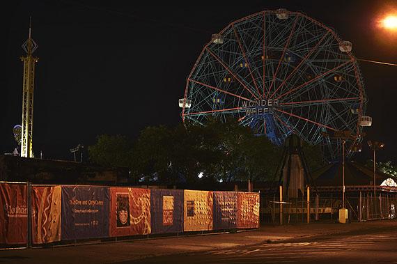 Deno's Wonder Wheel, Coney Island, 10-2011Petra Sedlaczek, courtesy Polka Galerie.