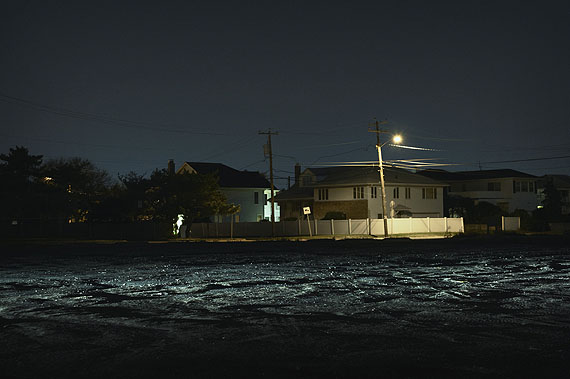 Houses on Ocean Blvd., Atlantic Beach, 10-2011Petra Sedlaczek, courtesy Polka Galerie.