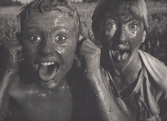 Rimaldas Viksraitis: Grimaces of the summer. 1997. Gelatin Silver print. 30 x 40 cm