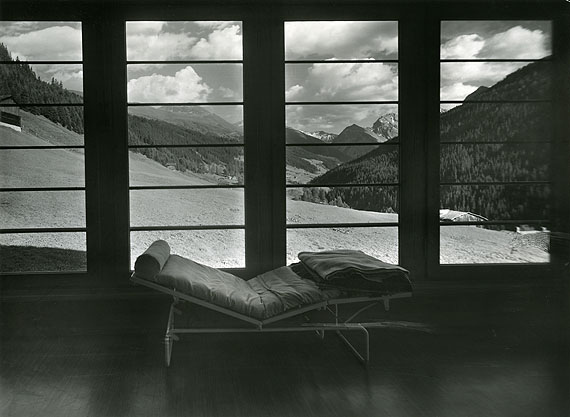Albert Steiner: Liegehalle der Chirurgischen Klinik der Zürcher Heilstätte in Davos Clavadel (Rudolf Gaberel) um 1935 © Bruno Bischofberger, Meilen