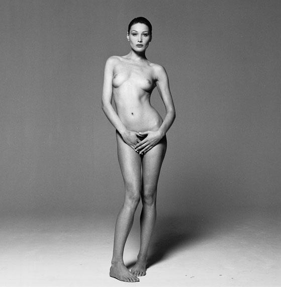 © MICHEL COMTE, CARLA BRUNI, 1993