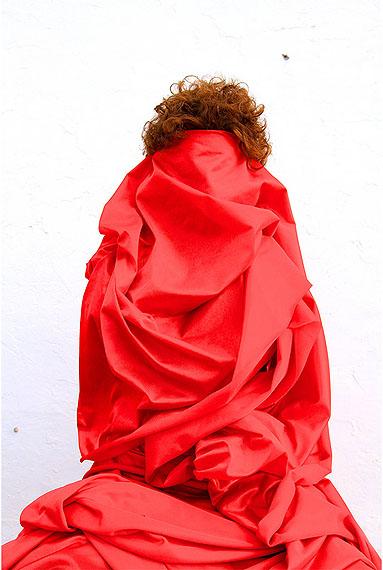 Mwangi HutterReign Red, 2012183 x 122 cmC-Print auf AluDibond, AcrylglasEd. 2 + 1 AP