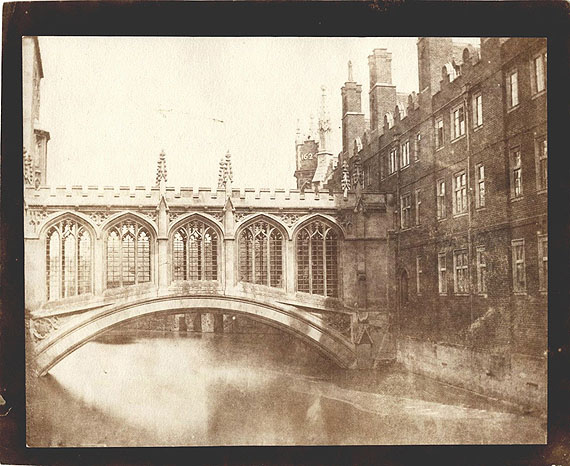 Bridge of  Sighs, St. John's College, Cambridge, circa 1846, Salt print from a calotype negative, Image 16,3 x 20,7 cm © William Henry Fox Talbot (1800-1877), courtesy SAGE Paris