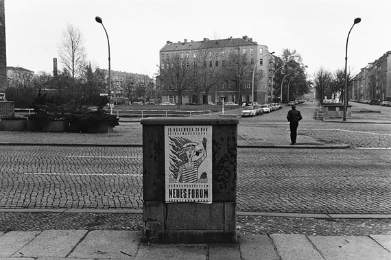 Hansgert Lambers: Berlin, Schönhauser Allee, Ecke Metzer Straße, 11.11.1989
