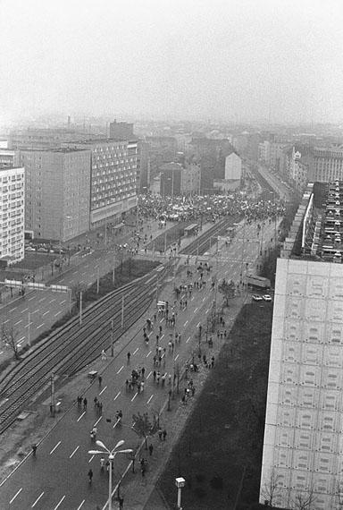 Berlin, Mollstraße 31, Demonstrationszug, 04.11.1989