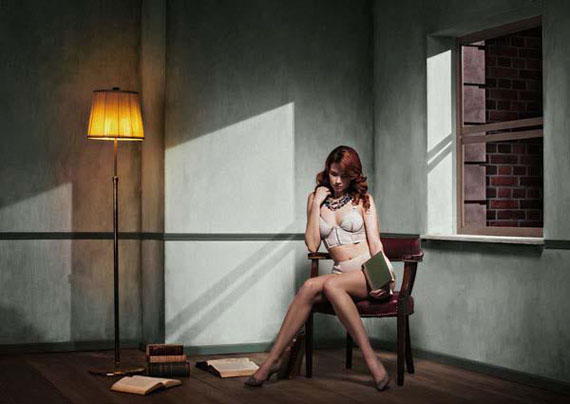 © Yoram Roth, Reading and Waiting late into the Night