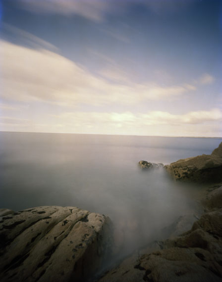 Hanns Zischler                 Fels will zurück ins Meer                 2010, 60 x 50 cm                 Digital Fine Art Print auf                 Hahnemühle Photo Rag                 © Hanns Zischler