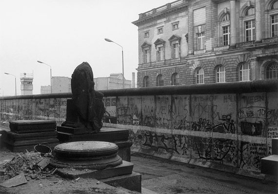 Helga Paris: Berlin, Mauer hinter dem Martin-Gropius-Bau, 26.10.1989