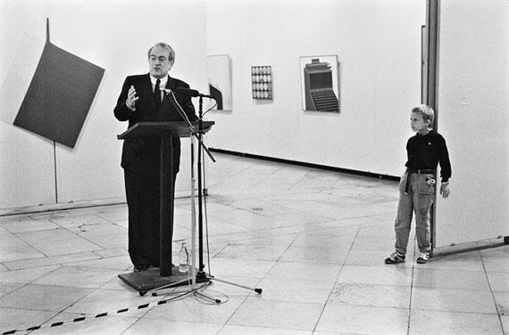 """Helfried Strauß: Leipzig, Eröffnung der Ausstellung """"Zeitzeichen"""" im Museum der Bildenden Künste, 10.11.1989"""