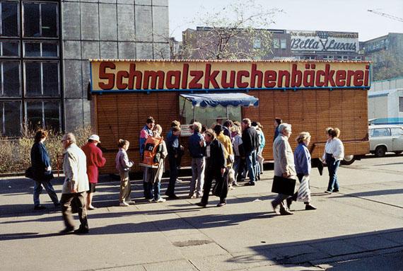 Klaus Staeck: Leipzig, Schmalzkuchenbäckerei, 12.11.1989