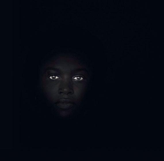 Adam Nadel, untitled (from the series: Rwanda October 2004), 2004Chromogenic print face-mounted to plexiglass. 50 x 50.5 cmEstimate € 2,500