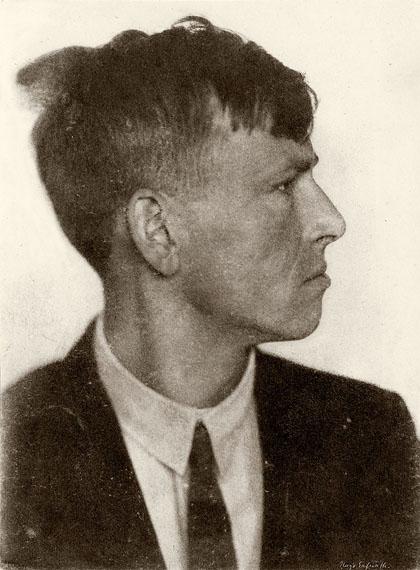 Hugo ErfurthOTTO DIX IM PROFIL. 1920.Vintage. Ölpigmentdruck.21 x 16 cm