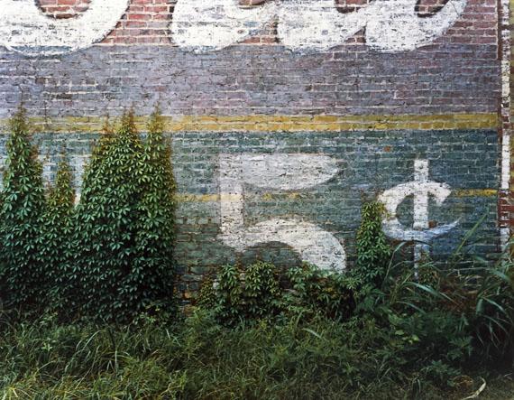 William Christenberry 5¢—Demopolis, Alabama, 1978 from the portfolio Ten Southern Images Vintage dye transfer print 50.8 x 60.96 cm / 20 x 24 in. ©William Christenberry, courtesy of Feroz Galerie