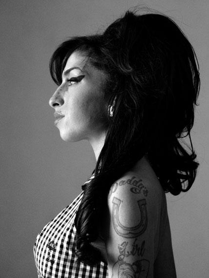 Amy Winehouse, London, 2010© Bryan Adams
