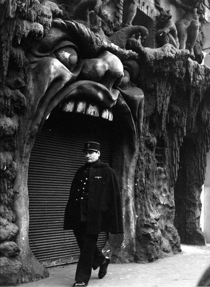 © Atelier Robert Doisneau | Hell, Paris. 1952