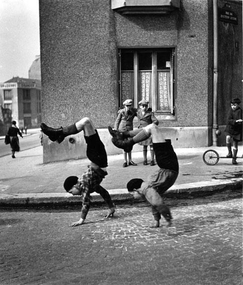 © Atelier Robert Doisneau | The brothers, Paris. 1954