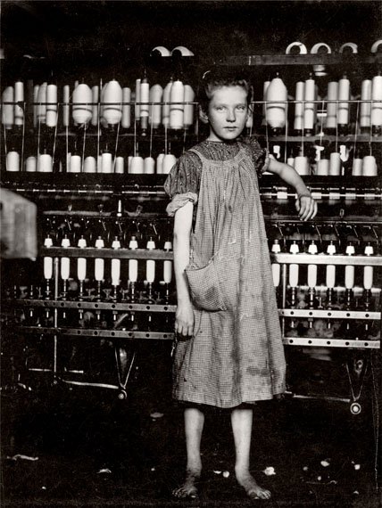 Lewis HineSpinner in New England mill, 1913Gelatin silver print, 12.6 x 10.1 cm© Collection of George Eastman House, Rochester