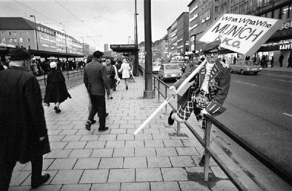 © Dimitri Soulas, Munich/Germany, 1973 |  München, Karlsplatz, schottischer Schlachtenbummler,1973