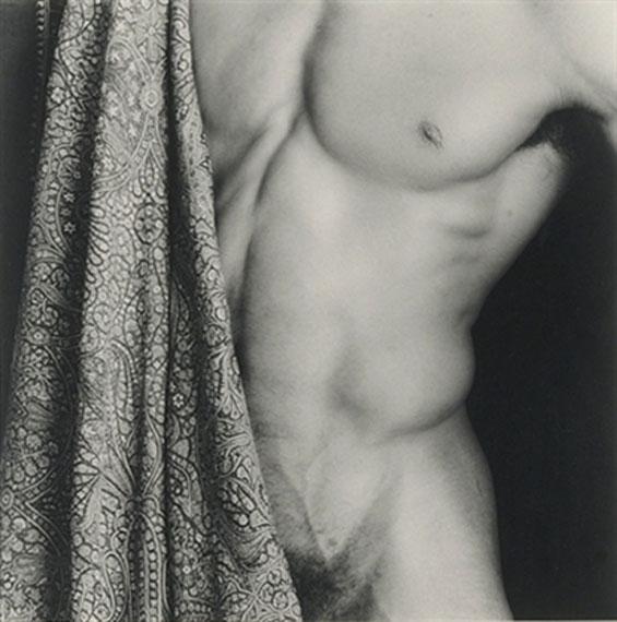Robert Mapplethorpe Untitled, 1987Gelatin silver print18.9 x 18.9 in.Ed. 1/10 Est. US$15,000–20,000