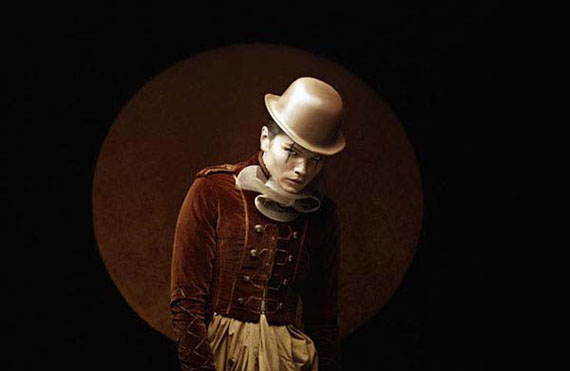 © Eugenio Recuenco · Payaso · 2006