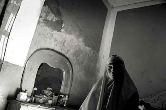 """Jan Grarup/laif: from the series """"I Just Want to Dunk"""" (Series on a somali women basketball team living under the constant threat by islamic fundamentalists. Mogadishu, Somalia), 2012"""