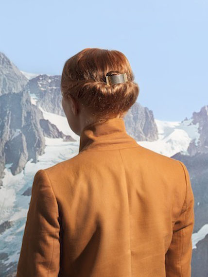 Mountain Girl, from the series Souvenir, 2011 © Lonneke van der Palen/Kahmann Gallery
