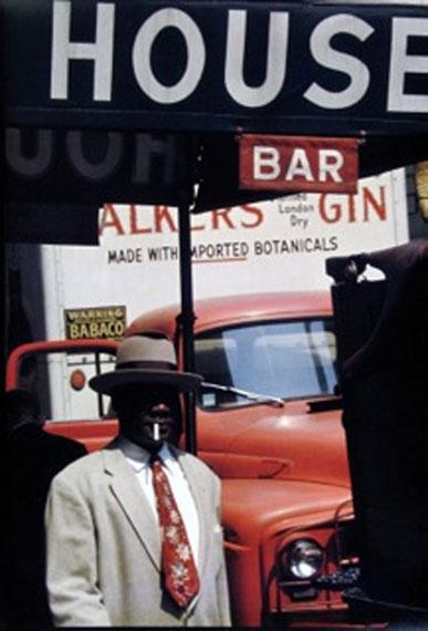 SAUL LEITER, Harlem 1960, cromogenic print, printed later, 35 x 28 cm