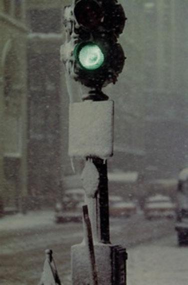 SAUL LEITERGreenlight, 1955cromogenic print, printed later35 x 28 cm