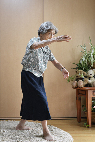 Sonoko H. (age 100), Tai Chi instructor, from the series Happy at Hundred, Tokyo. 2013 © Karsten Thormaehlen