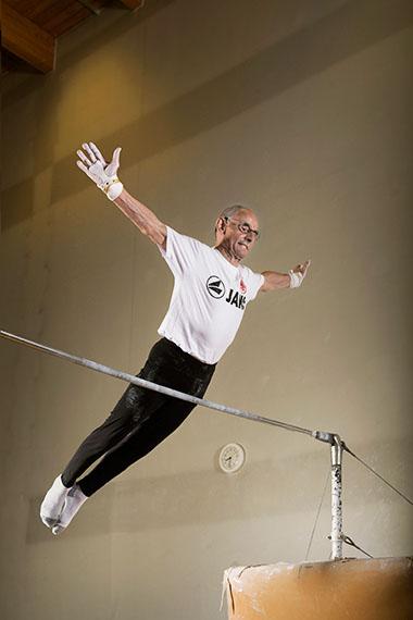 Winfried Glaser (age 75), gymnastics senior champion, Heusenstamm. 2013 © Karsten Thormaehlen