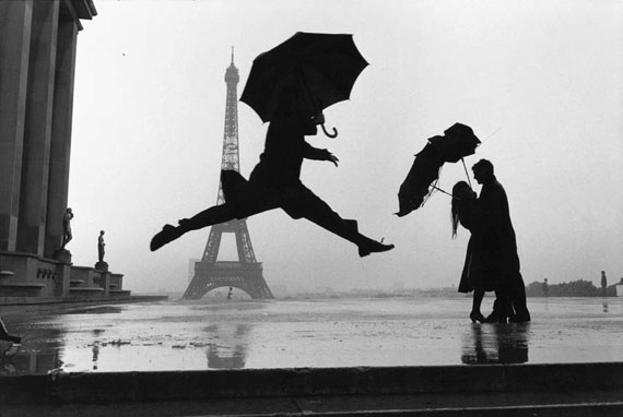 Paris, France, 1989 © Elliott Erwitt, Courtesy Edwynn Houk Gallery