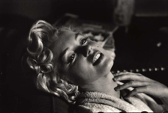 Marilyn Monroe, New York, 1956 © Elliott Erwitt, Courtesy Edwynn Houk Gallery
