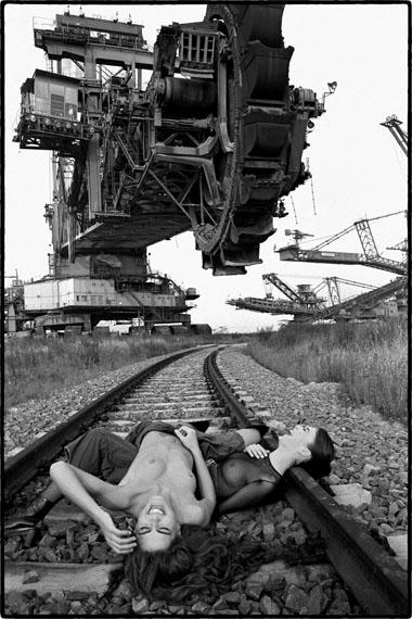 Olaf Martens: Marie, Friderikke, Rackwitz 1992. SilbergelatineHaus der Photographie / Sammlung F.C. Gundlach, Hamburg. © Olaf Martens