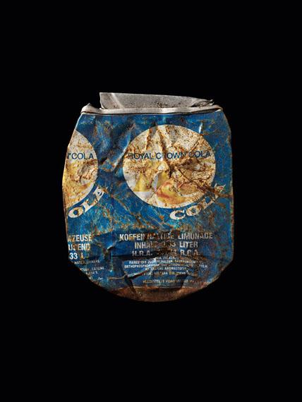 Christopher Thomas90 Cans, #28Edition von 3 / 7 / 25C-type Archival Flex Print80 x 60 cm / 120 x 90 cm / 160 x 120 cm