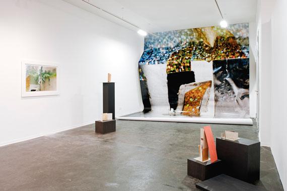 """""""Berlin Barock"""", Ausstellungsansicht, Zephyr – Raum für Fotografie Mannheim, © Susa Templin; Courtesy Galerie Thomas Rehbein Foto: rem, Carolin Breckle"""