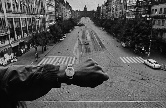 "Josef Koudelka: ""Prague, 1968""Copyright :ARTE France / © Josef Koudelka/Magnum Photos"