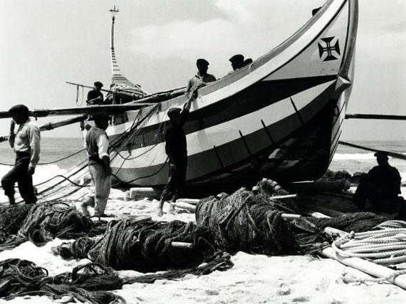 Alfred Ehrhardt, Das Boot von Torreira, 1951, © bpk / Alfred Ehrhardt Stiftung