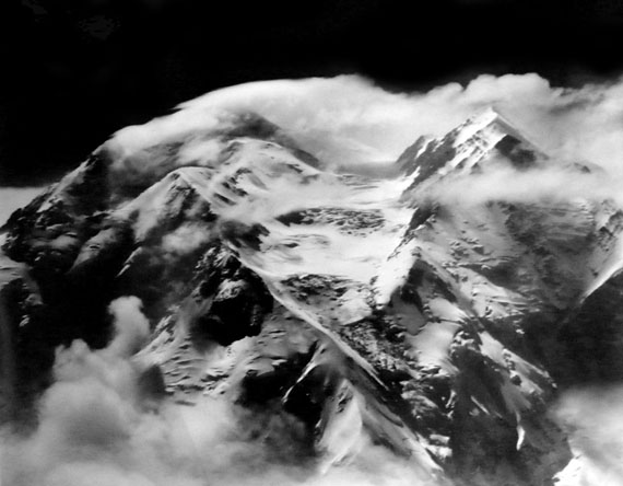 Henry Bradford Washburn: A tremendous southernly windstorm sweeps Mt McKinley's twin peaks, Alaska, June 6th, 1942 © Bradford Washburn, courtesy Decaneas Archive, revere, MA