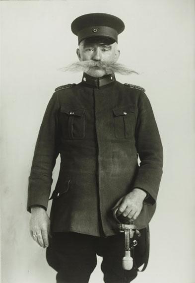 August Sander: Wachtmeister / Police Officer, 1925 © Photographische Sammlung/SK Stiftung Kultur, Cologne