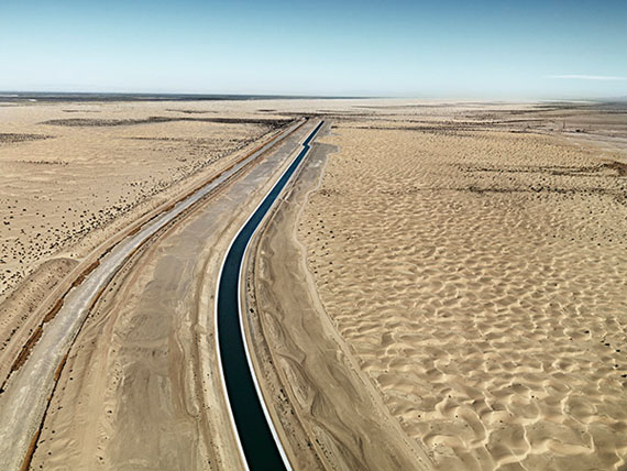 "Edward Burtynsky: ""All American Canal, West of Yuma, California, USA"", 2010, C-Print, 39 x 52 inches / 99,1 x132,1cm, 