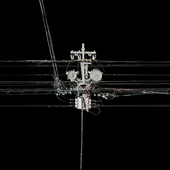 Andreas Gefeller: Poles 44, aus The Japan Series, 2010, 100 x 100 cm, Inkjetprint, gerahmt