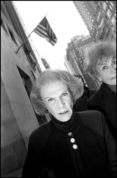 Bruce Gilden, Woman walking 5th Avenue, New York City, 1992