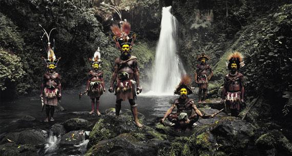 © JIMMY NELSON, TUMBU, HANGU, PETER, HAPIYA, KATI, HENGENE & STEVEN HULI WIGMEN AMBUA FALLS, TARI VALLEY, PAPUA NEW GUINEA, 2010